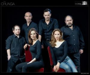 "Imagen promocional del reparto de ""La Chunga"""