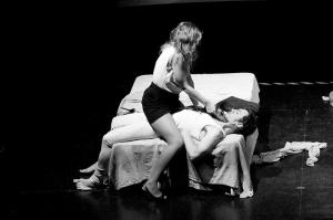 """Laura Río y Juan López-Tagle en """"Noches de Acero"""". Imagen: Adrián Fernández"""
