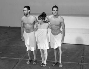 Los tres actores reciben los aplausos al final de la función. Fotografía: Mi Butaquita