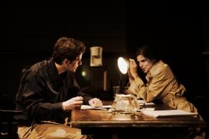 Clara Lago y Diego Martín en una escena de la obra. Imagen: Roberto Álamo